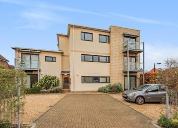 Saxon Court, Northcourt Road, Abingdon OX14. 2 bed flat for sale