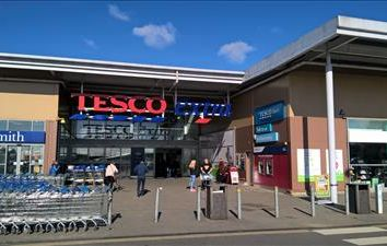 Thumbnail Retail premises to let in Unit 10, Tesco Extra, New Road, Worthing