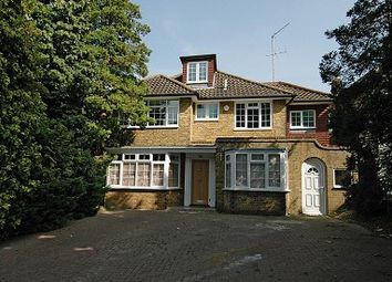Thumbnail 6 bedroom detached house to rent in Fitzalan Road, Finchley