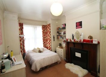 Thumbnail 5 bedroom terraced house to rent in Manor Drive, Hyde Park, Leeds