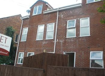 Thumbnail 4 bed semi-detached house to rent in Holt Hill, Tranmere