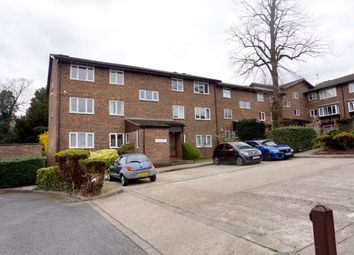 Thumbnail 2 bed flat for sale in Kingsleigh Walk, Bromley