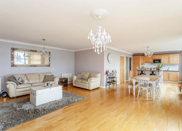 2 bed flat for sale in Goat Wharf, Brentford TW8
