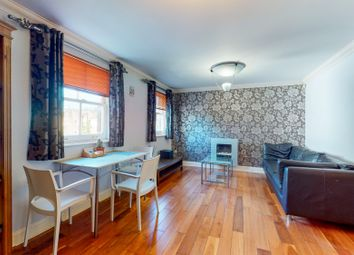 2 bed flat to rent in Haverstock Place, London N1