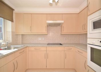 Thumbnail 1 bed flat for sale in Grove Road, Fareham, Hampshire