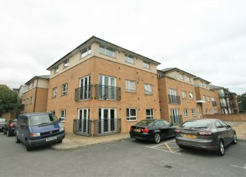 Thumbnail 2 bedroom flat to rent in Gateway Ct, The Uplands, Bricket Wood, St. Albans