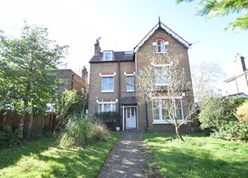 Thumbnail 2 bed flat to rent in The Avenue, St Margarets, Twickenham