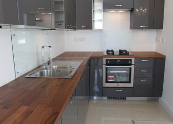 Thumbnail 1 bed flat to rent in Carlton Crescent, Southampton