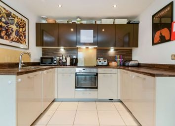 Thumbnail 2 bedroom flat for sale in Cotterells, Hemel Hempstead