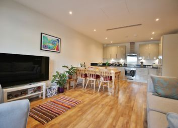 Thumbnail 2 bed flat for sale in Hurley Court, High Road, North Finchley, London
