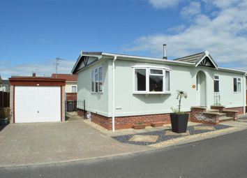 Thumbnail 2 bed mobile/park home for sale in Lincoln Road, Sleaford