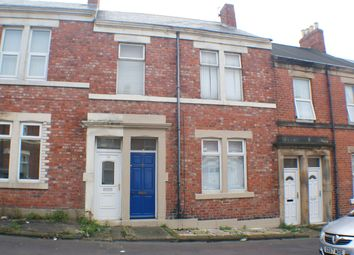 2 bed flat to rent in Chandos Street, Gateshead NE8