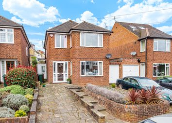 Thumbnail 3 bed detached house to rent in Links Way, Croxley Green, Rickmansworth, Hertfordshire