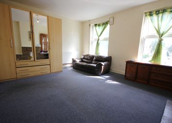 Thumbnail Room to rent in The Crossways, Hounslow