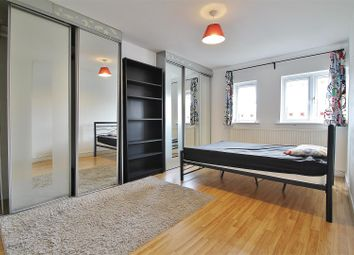 Thumbnail 3 bed property to rent in Kings Terrace, Isleworth