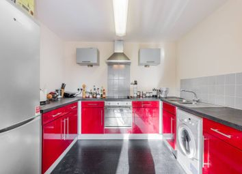 2 bed flat to rent in Cam Road, Stratford, London E15