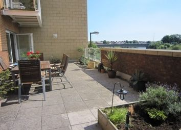 2 bed flat to rent in Chandlery Way, Cardiff CF10