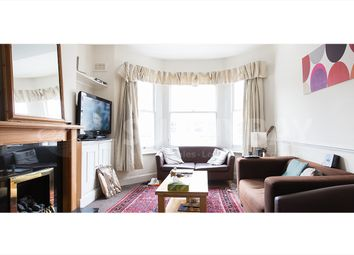 3 bed maisonette to rent in Corrance Road, London SW2