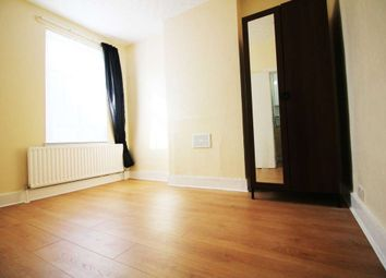 Thumbnail 1 bed flat to rent in New Heston Road, Heston, Hounslow