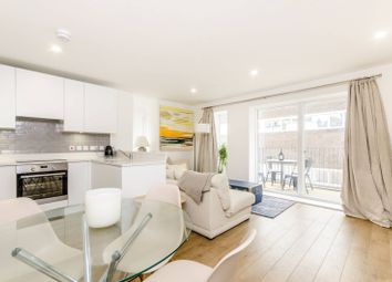 Thumbnail 1 bed flat to rent in Lamb Walk, Southwark