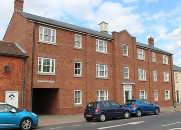 Thumbnail 2 bed flat for sale in Carters Court, Colchester