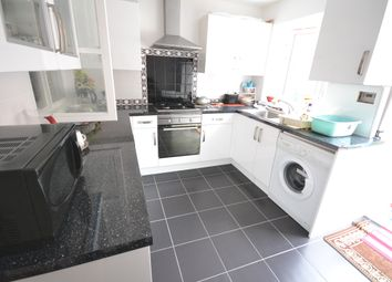Thumbnail Room to rent in Dingle Gardens, London