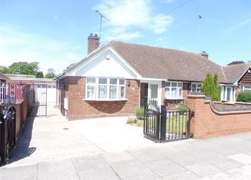 Thumbnail 2 bed bungalow to rent in Cloisters Road, Luton