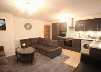 Thumbnail 3 bed flat to rent in Ingram Crescent East, Hove