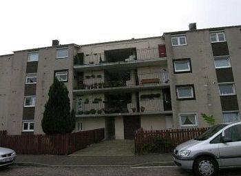 Thumbnail 2 bedroom flat to rent in Calder Crescent, Edinburgh Availavle Now