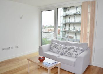 Thumbnail Studio to rent in Station Approach, Hayes