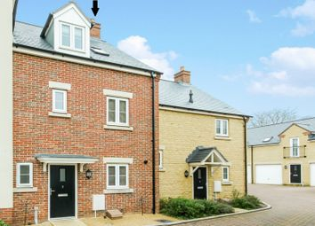 Thumbnail 3 bed town house for sale in Taylor Close, Faringdon