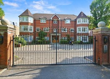Thumbnail 2 bed flat to rent in Queens Road, Weybridge