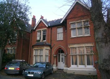 Thumbnail 2 bed flat to rent in Kings Avenue, Ealing