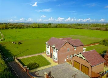 Thumbnail 4 bed detached house for sale in Cleeve Road, Bidford-On-Avon, Alcester
