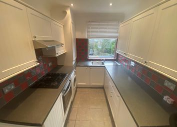 2 bed maisonette to rent in Porch Way, Whetstone, London N20