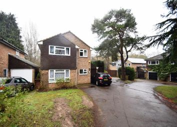 Thumbnail 4 bedroom detached house to rent in Knoll Crescent, Northwood
