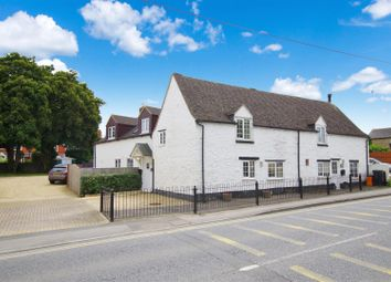Thumbnail 4 bed cottage for sale in Lechlade Road, Highworth, Swindon