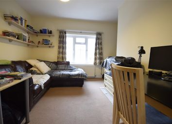 Thumbnail 1 bed flat to rent in Cavendish Road, Redhill, Surrey