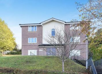 2 bed flat for sale in Lingfield Close, High Wycombe HP13