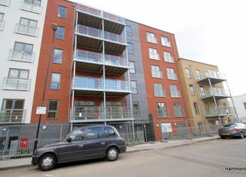 Thumbnail 3 bed flat to rent in Heath Place, London