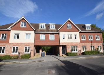 Thumbnail 2 bed flat to rent in Kings Road, Haslemere
