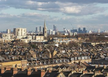 Thumbnail 2 bedroom flat for sale in Goodwin Street, Finsbury Park