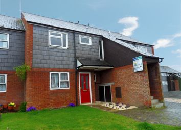 Thumbnail 1 bed flat for sale in Wantage Close, Wing, Leighton Buzzard, Bedfordshire