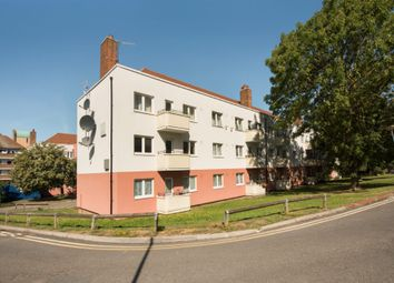 Thumbnail Flat for sale in Flat 16 Woodford House, Barnfield Road, London