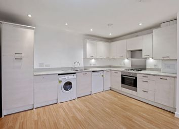 3 bed flat to rent in Ward Lane, London E9