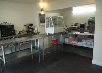 Thumbnail Restaurant/cafe for sale in Cafe & Sandwich Bars BD20, Cross Hills, West Yorkshire