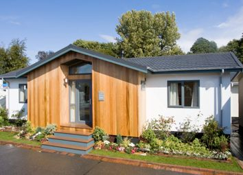 2 bed lodge for sale in Chapel Hill, Lincoln LN4