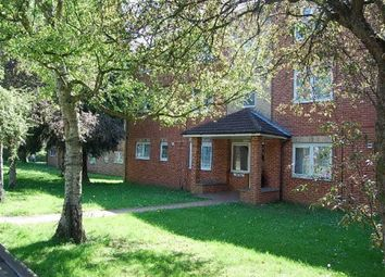 Thumbnail 2 bed flat to rent in Drakes Drive, St Albans