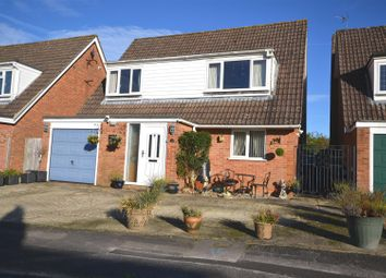 Thumbnail 3 bed detached house for sale in The Vale, Oakley, Basingstoke