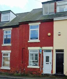 Thumbnail 3 bedroom terraced house to rent in Princes Street, Mansfield
